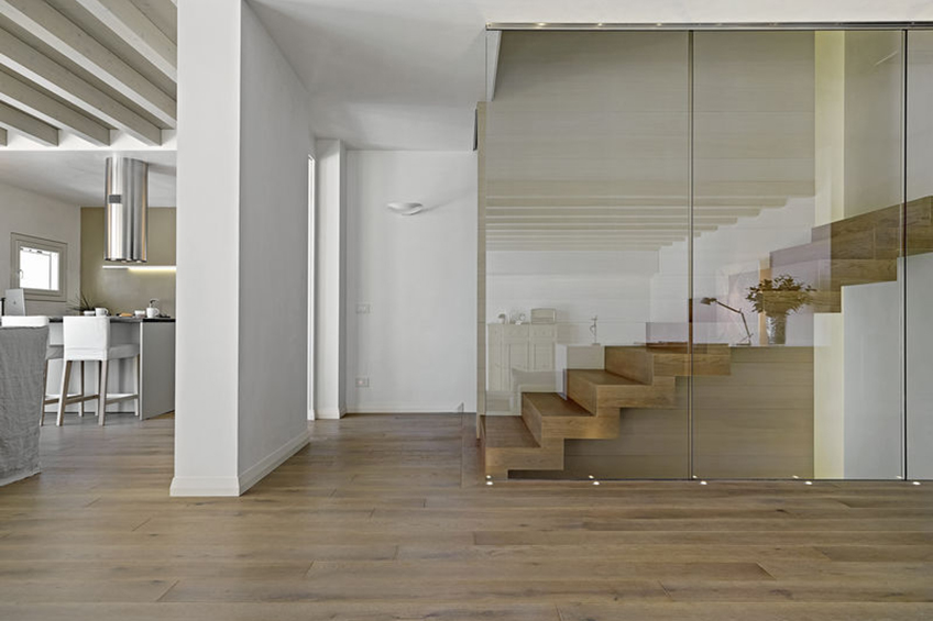 Trapbekleding traprenovatie av vloeren for Wat kost een nieuwe trap